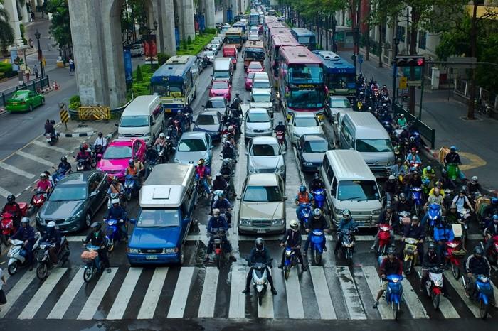 Psicotécnicos: ¿Cómo evitar un accidente en moto cuando abren la puerta del coche?