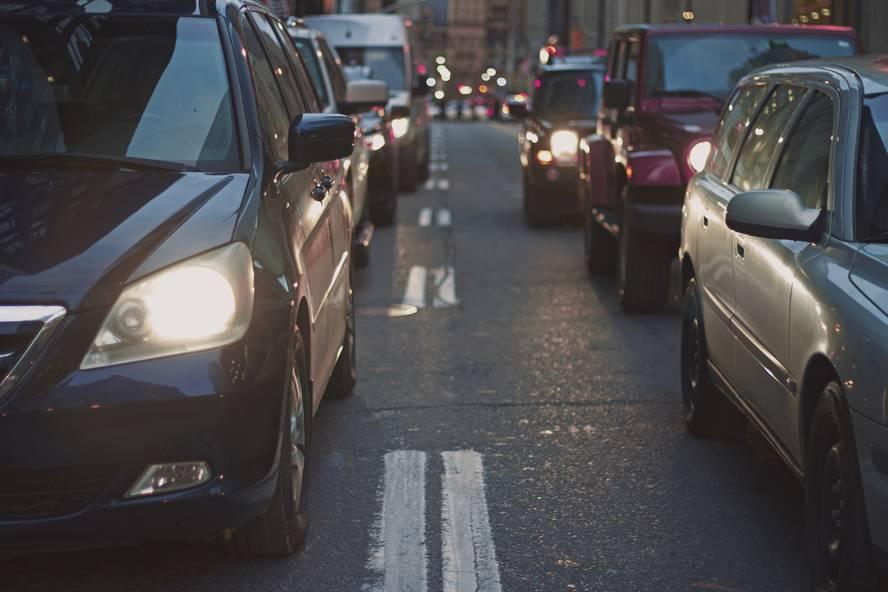 Gidabaimena berritzea: Airearen kutsadurak eta trafikoaren zaratak hipertentsioa eragin dezakete