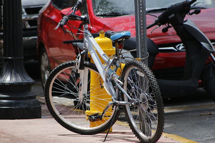 Renovar carné de conducir: Hábitos de uso de los usuarios de bicicletas: ¿Qué vías utilizan? ¿Cumplen las normas?