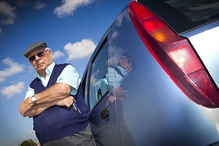 Renovar carné de conducir: ¿A qué edad tengo que dejar de conducir?
