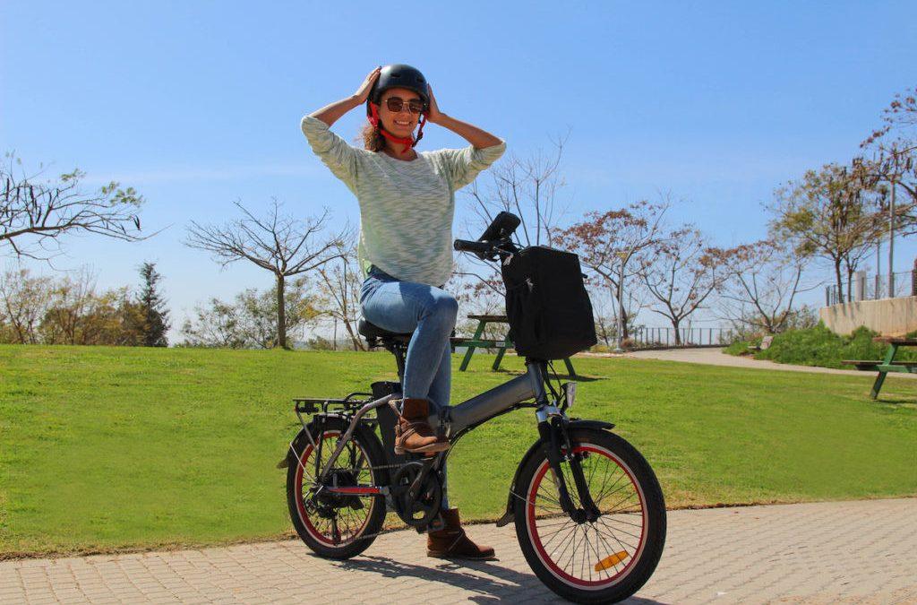 Renovar carné de conducir: ¿Circulas en bicicleta eléctrica? Esto es lo que deberías tener en cuenta para tu seguridad