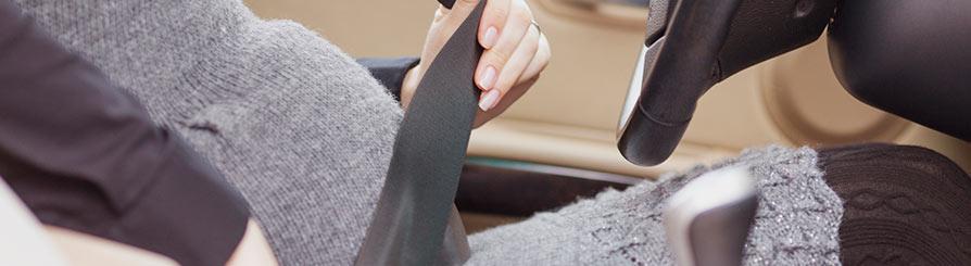 Renovar carné de conducir: La gestante y el cinturón de seguridad