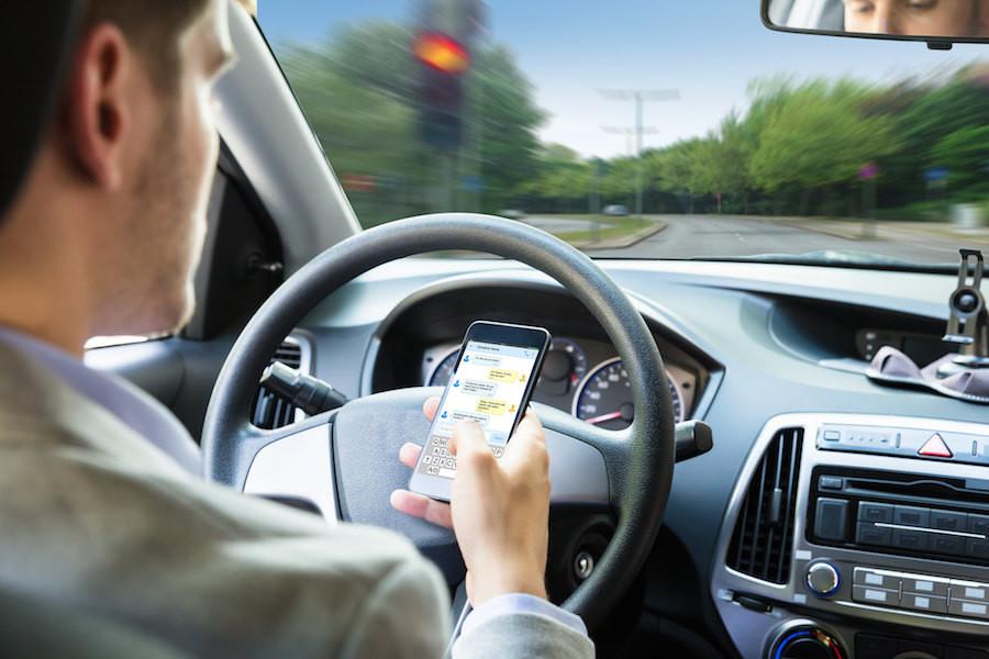 Psicotécnicos: Ya no hay ángulo para coger el móvil al volante sin ser detectado