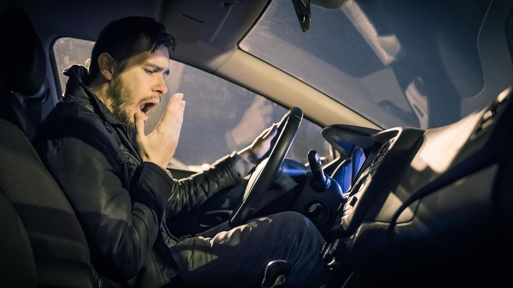 Renovar carné de conducir: ¿Nos deberían obligar a descansar en los trayectos largos?