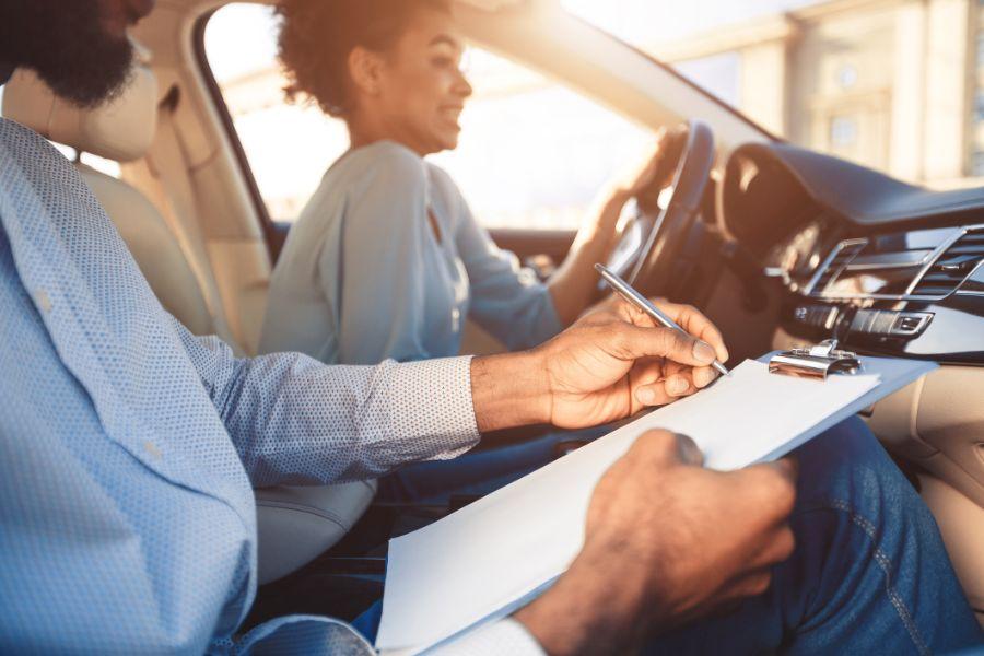 Renovar carné de conducir: Sacarse el carnet ya no es el objetivo prioritario al cumplir los 18