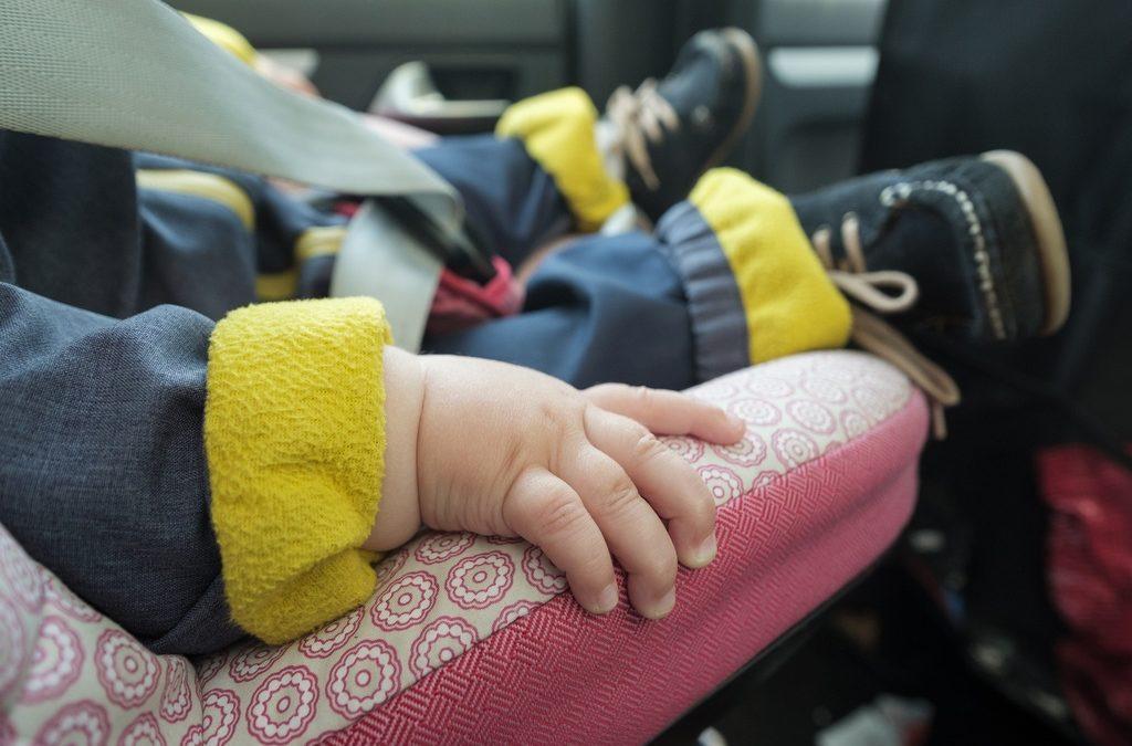 Psicotécnicos: La DGT alerta sobre los materiales tóxicos de algunas sillitas infantiles