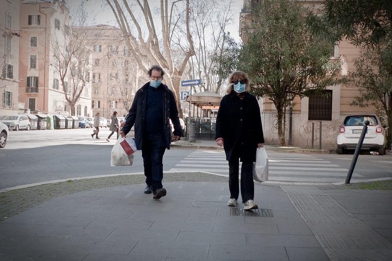 Renovar carné de conducir: El uso de mascarilla como nueva medida de seguridad vial: cuándo es obligatorio llevarla