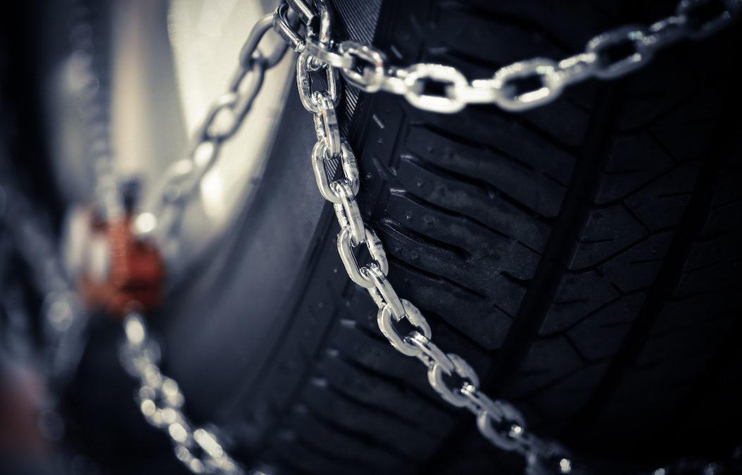 Renovar carné de conducir: ¿Cómo son las cadenas de nieve para moto?